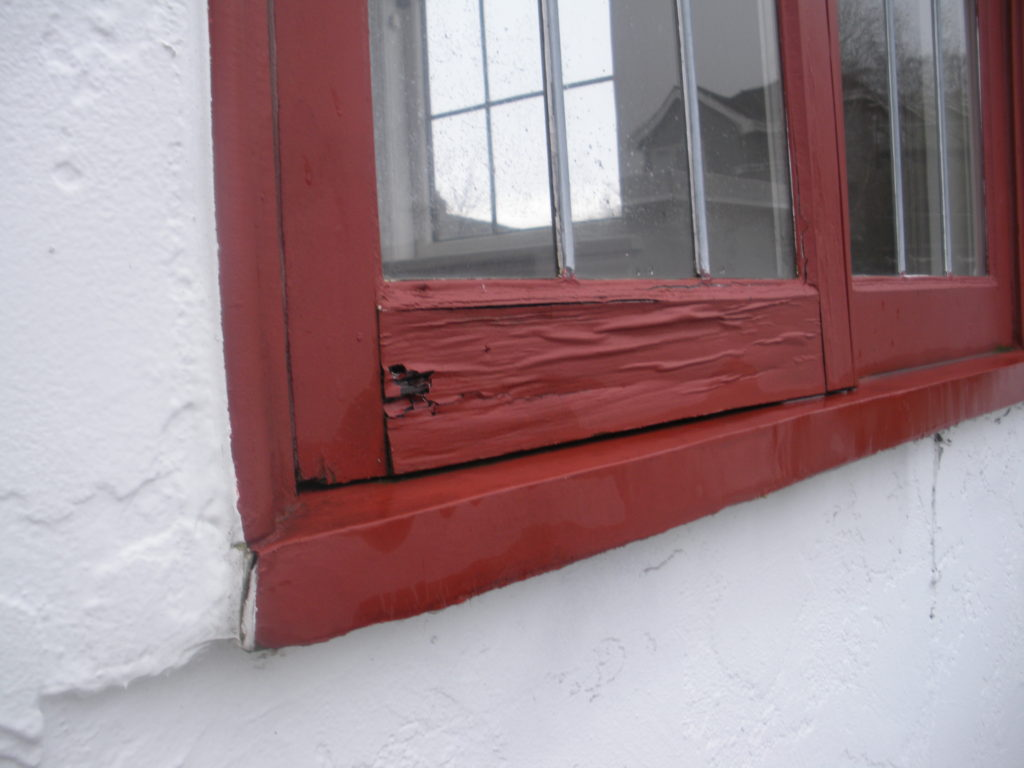 This old wood window is on the south face of a Tudor home with no roof overhangs. The lack of roof protection caused this window to fail before others that were better protected.